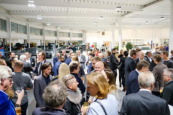 Fachleute unter sich: Die Veranstaltung der ETL Rechtsanwälte in der BMW Niederlassung Dortmund